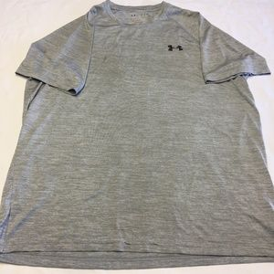 UNDER ARMOUR HEAT GEARSHORT SLEEVE GRAY M SHIRT
